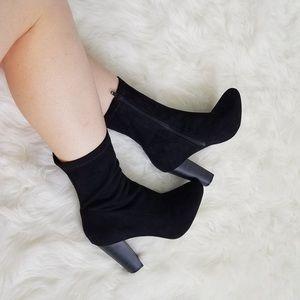 Olivia Ferguson black midi boots sz 6